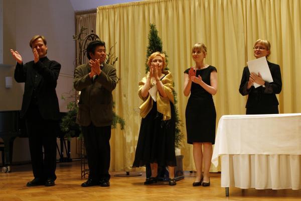II KANSAINVÄLINEN UUNO KLAMI -SÄVELLYSKILPAILU 2008-2009 / Palkintojen jakajat / Kuva: Heikki Y. Rissanen